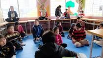Yêu trò như con, điều kiện tiên quyết để dạy trẻ tự kỷ