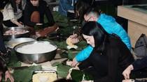 Học sinh trường Lương Thế Vinh gói bánh chưng tặng trò nghèo vùng cao