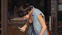 Đỏ mặt với kiểu ăn mặc 'lôm côm' của Selena Gomez