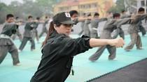 Nữ giáo viên trẻ của cảnh sát đặc nhiệm