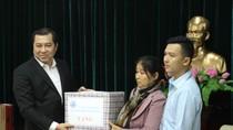 Vợ, con liệt sĩ Gạc Ma xúc động khi được tặng căn hộ chung cư