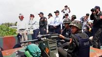 Video: Nghị sĩ Đài Loan xem thử cối ngoài đảo Ba Bình, Trường Sa