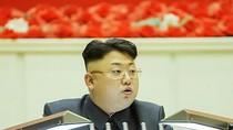 Kim Jong-un: Sẵn sàng cho chiến tranh 2015, tự lái xe tăng vào Seoul