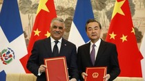 Trung Quốc ép chặt gọng kìm ngoại giao-quân sự, bà Thái Anh Văn không cúi đầu