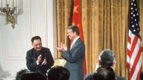"""Trung Quốc vừa muốn """"đánh"""" Mỹ, vừa sợ bị nội thương"""
