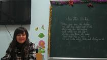 Lớp học Hy vọng chào đón cô giáo trẻ, sinh viên Thanh nhạc năm thứ 2