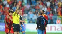 Rooney xơi thẻ đỏ, tuyển Anh vẫn đặt vé đến EURO 2012