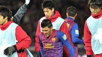 Góc ảnh: David Villa gãy chân, Barca vẫn đạp bằng Al Sadd