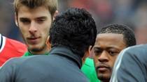Hot thể thao 9/3: Mancini kết Van Persie, Evra bị tố chơi xấu Suarez