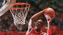 Huyền thoại NBA Michael Jordan bước sang tuổi 50