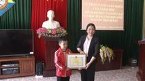 Bộ trưởng Phùng Xuân Nhạ gửi thư khen học sinh lớp 2 ở Quảng Ninh