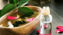 Những lợi ích tuyệt vời của nước hoa hồng đối với làn da