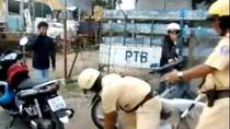 """Video: CSGT và người đi đường """"đấu võ"""" trên phố"""