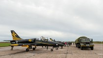 Xem phi đội tiêm kích L-39 Albatros của Nga trình diễn trên không