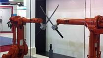 Thụy Sỹ chế tạo robot đấu kiếm, đánh bi a chính xác từng mm