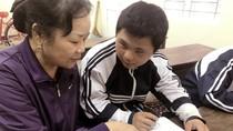 Cô giáo Huyền đã 21 năm mở lớp học tình thương xóa mù chữ  