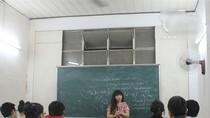Cận cảnh lớp học của cô giáo chuyển giới