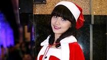 Hot girl Trang Linzy khoe dáng yêu kiều đón Noel