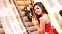 Nữ sinh ĐH Công nghiệp vai trần gợi cảm đón năm mới