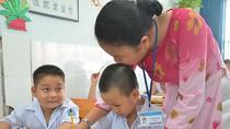 Bộ trưởng Phạm Vũ Luận thừa nhận giáo viên tiểu học chịu nhiều áp lực