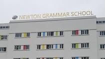 Đang làm rõ một số cá nhân bịa đặt sai sự thật về trường Newton