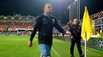 UEFA ra đòn nặng, Rooney nghỉ hết vòng bảng EURO 2012