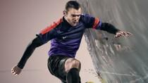 Ronaldo, Iniesta, Rooney, Pique mạnh mẽ với giày mới của Nike