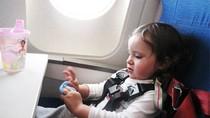 4 lưu ý khi cho trẻ đi máy bay