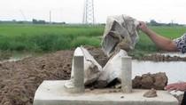 Có bao nhiêu trụ móng cột điện cao thế làm bằng bê tông trộn đất?