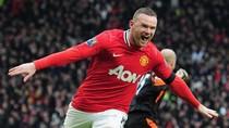 Giggs phạt góc, Carrick lắc đầu, Rooney 'đốt lưới' Liverpool