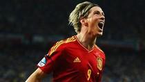 """Torres chỉ mất đúng 5 phút để chiếm """"Giày Vàng"""" đầy ngoạn mục"""