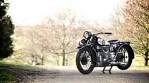 Chiêm ngưỡng mô tô cổ đắt giá gần 100 năm tuổi