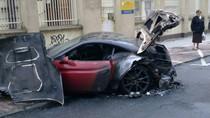 Thêm một chiếc Ferrari California cháy đen trên phố