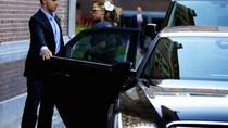 Lady Gaga lái Audi A8 dạo phố