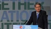 Bộ trưởng Quốc phòng Anh từ chức vì mối quan hệ với bạn thân