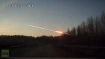 Video: Mưa thiên thạch tấn công Urals, tên lửa phòng không Nga bắn hạ