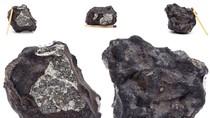 Dân Nga bán các mảnh thiên thạch lấy tiền sửa nhà