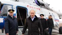 Tổng thống Putin đi làm bằng trực thăng Mi-8 để đỡ gây tắc đường