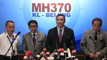 Thân nhân hành khách của MH 370 đe dọa tuyệt thực.