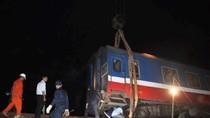 Khẩn trương khắc phục hậu quả vụ tai nạn xe tải đâm lật tàu hỏa ở Huế