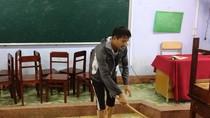 Nhiều trường học ở Huế vẫn còn ngập, học sinh chưa thể đến trường