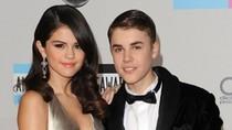 Justin Bieber chững chạc bên Selena
