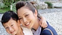 Con trai Jennifer Phạm muốn làm siêu nhân bảo vệ mẹ