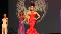 Thu Hương giành ngôi Á hậu 2 Mrs World 2011