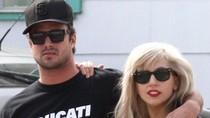 Lộ diện bạn trai Lady Gaga