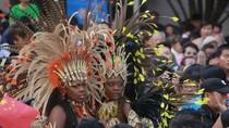 Dân Trung Quốc chen nhau xem vũ điệu Samba
