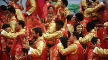 Trung Quốc tổ chức đám cưới tập thể cho 100 cặp uyên ương