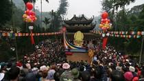 Toàn cảnh hàng chục nghìn người ùn ùn trẩy hội chùa Hương