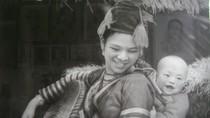 Góc ảnh: Người nặng lòng vẽ truyền thần đồng bào dân tộc vào tranh