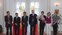 Tòa thị chính thành phố Tachov (Séc) vinh danh sinh viên Việt Nam